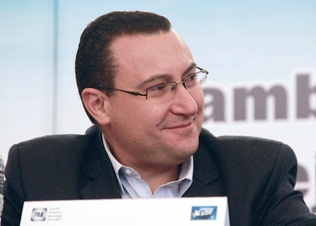 ¡Renuncie o no al cargo, Arturo Solano tiene que responder por su actuar frente al OSF!