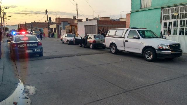 ¡Un taxista se suicidó cortándose las venas en Aguascalientes!