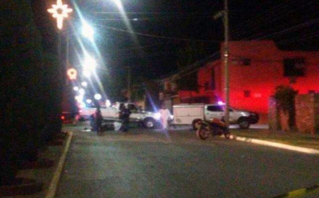 ¡Choque entre una motocicleta y una camioneta dejó 1 muerto y 1 lesionado en Zacatecas!