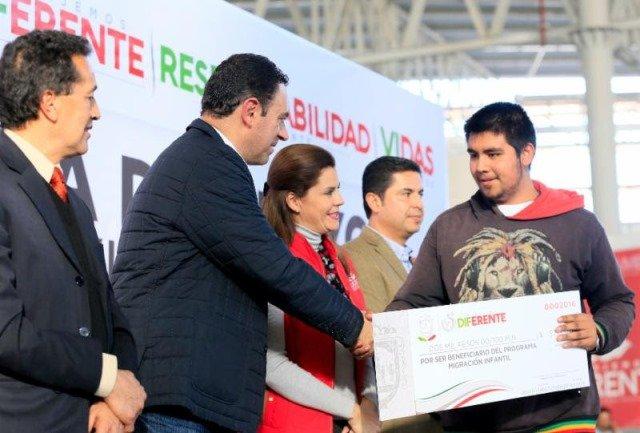 ¡Entrega gobernador Alejandro Tello apoyos económicos a 6 mil 780 personas en condiciones de vulnerabilidad!