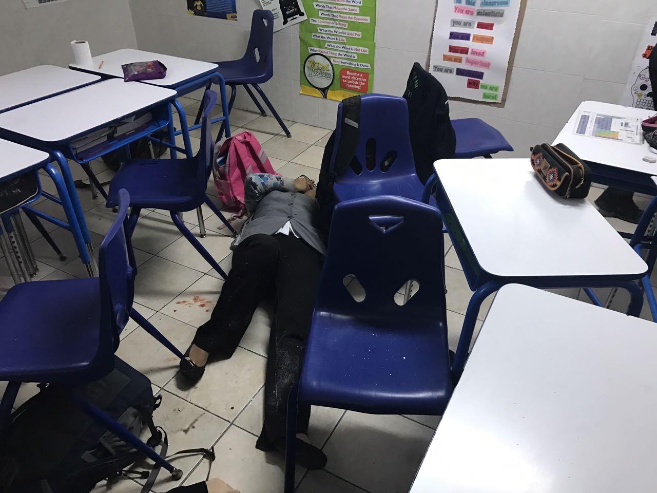 ¡Tragedia en colegio de Monterrey: alumno disparó a una maestra y sus compañeros y luego se suicidó!