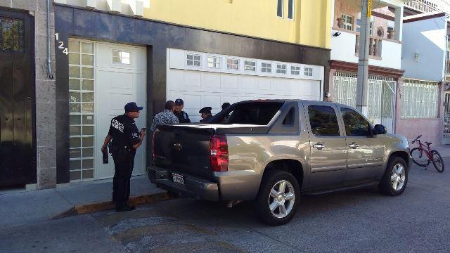 ¡2 pistoleros intentaron consumar violento asalto en una residencia en Aguascalientes!