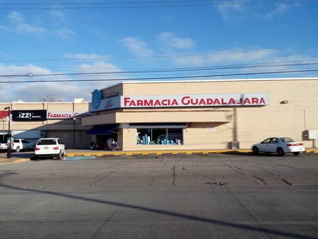 ¡Comando armado asaltó una farmacia en Aguascalientes y robó dinero y medicamentos!