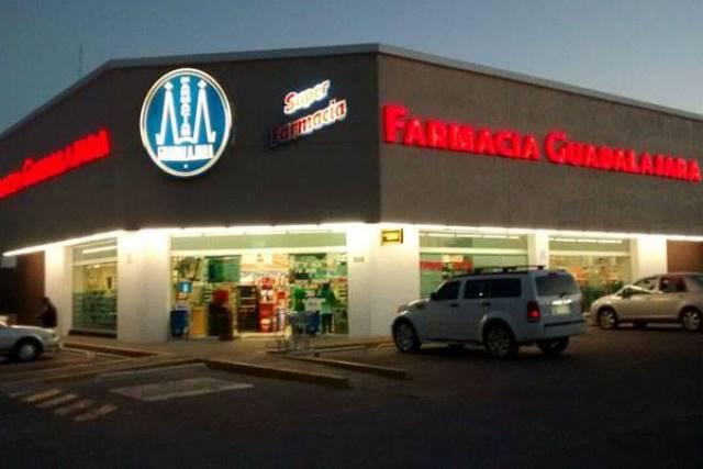 ¡Pistoleros asaltaron otra farmacia en Aguascalientes y se llevaron dinero y medicamentos!