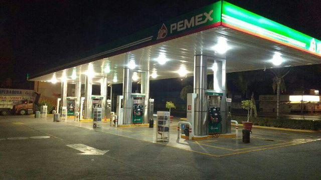 ¡Asaltaron una gasolinera y una tienda OXXO en Aguascalientes!