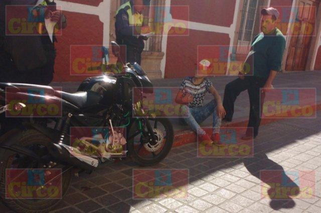 ¡Niña lesionada al ser arrollada en su bicicleta por una motocicleta en Lagos de Moreno!