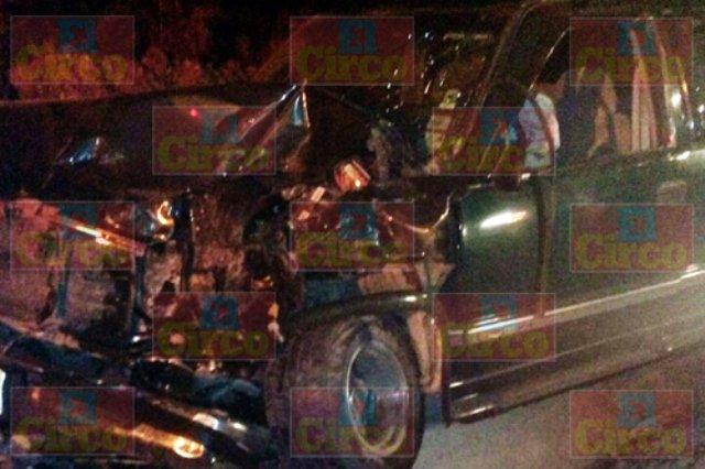 ¡3 lesionados dejó choque entre 2 camionetas en Lagos de Moreno!