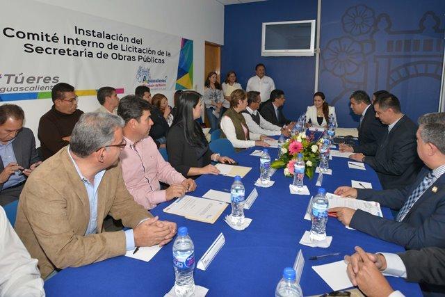 ¡Instaló alcaldesa el Comité de Licitación de Obra del Municipio capital!