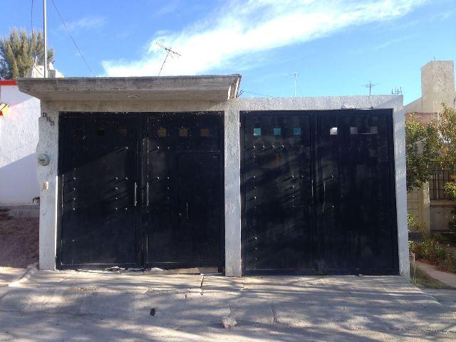 ¡Detectan domicilio donde desmantelaban vehículos robados en Aguascalientes!