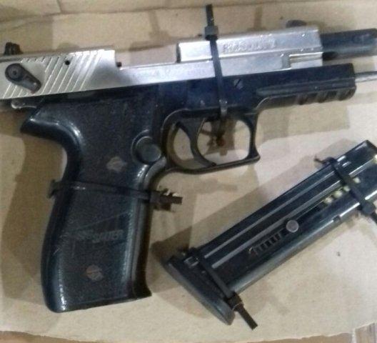 ¡Detuvieron a un sujeto con armas de fuego y cientos de cartuchos en Aguascalientes!