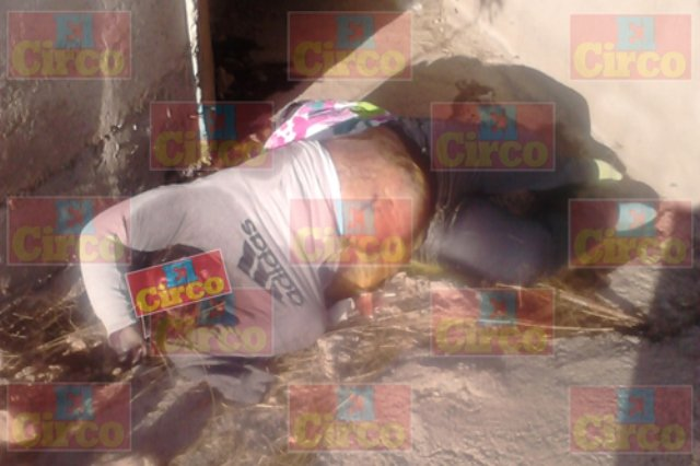 ¡En un desagüe hallaron el cuerpo putrefacto de una mujer en la autopista Lagos de Moreno-SLP!