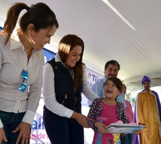 ¡La alcaldesa Tere Jiménez entregó juguetes a la niñez de Aguascalientes!