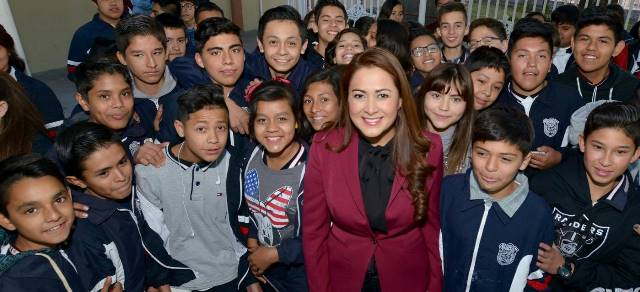 ¡Refrenda alcaldesa Tere Jiménez alianza con el sector educativo!