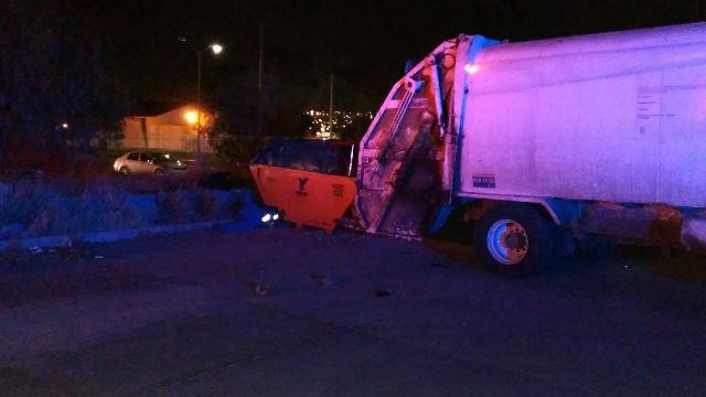 ¡Empleado de Limpia murió aplastado por un contenedor de basura en Aguascalientes!