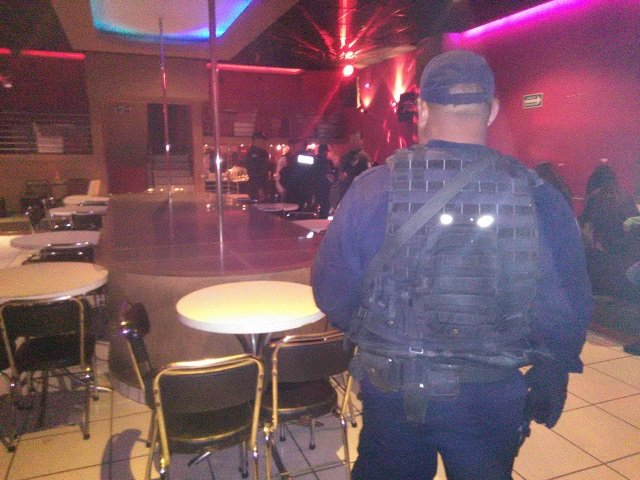 ¡Operativo sorpresa en la zona de tolerancia de Aguascalientes: clausuraron 2 bares!