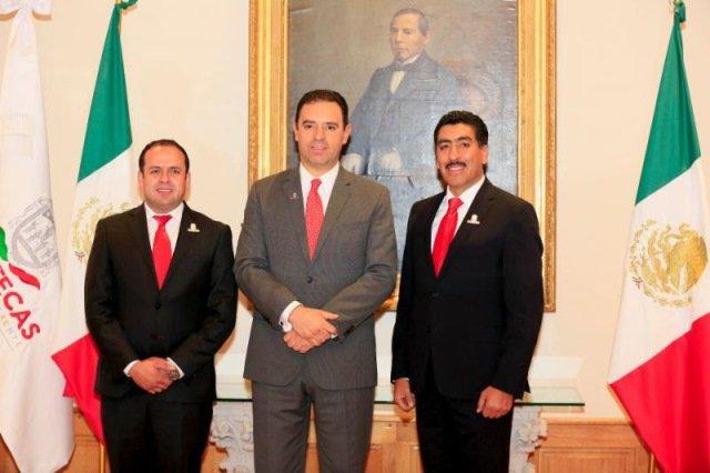 ¡Toma protesta gobernador Alejandro Tello a Ismael Solís y Marco Vinicio Flores como titulares de nuevas dependencias!