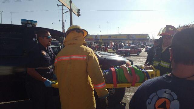 ¡Carambola entre 3 vehículos en Aguascalientes dejó 11 lesionados!