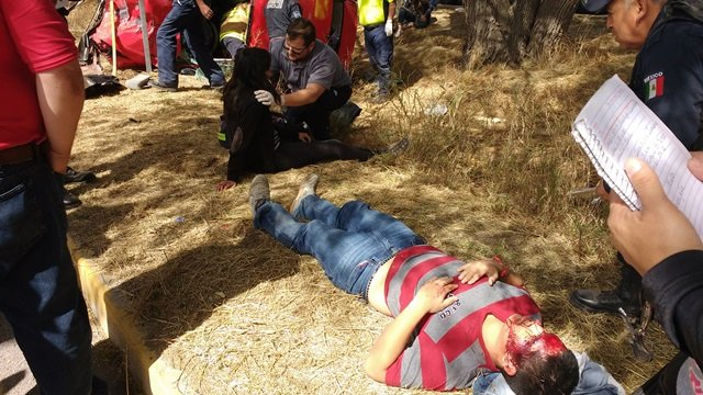 ¡6 estudiantes de la UAA se salvaron de morir tras fuerte accidente en Aguascalientes!