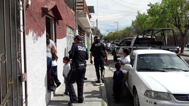 """¡Pistolero asaltó una casa de la empresa """"Compartamos Banco"""" en Aguascalientes!"""