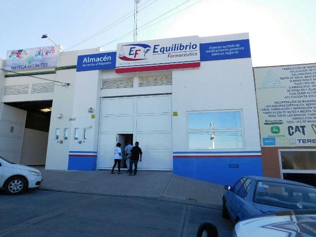 ¡2 pistoleros asaltaron una farmacéutica en Aguascalientes!