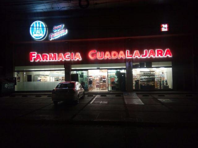 ¡Comando armado asaltó otra farmacia en Aguascalientes y logró jugoso botín!