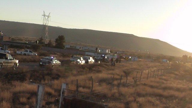 ¡2 niños muertos y 2 adultos lesionados por la volcadura de un tráiler en Sombrerete, Zacatecas!