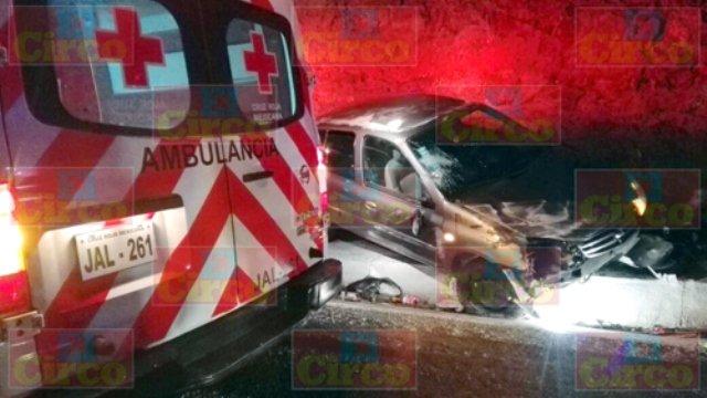 ¡Choque-volcadura dejó un joven lesionado en Lagos de Moreno!