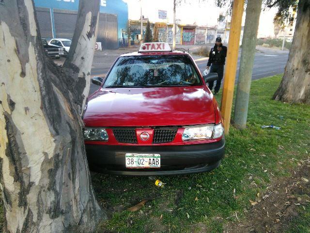 ¡Reincidente delincuente fue detenido tras una persecución luego de robar un taxi en Aguascalientes!