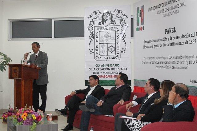 ¡Los partidos y poderes han perdido credibilidad por apartarse de la Constitución: Isidoro Armendáriz!
