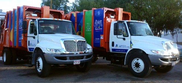 ¡La alcaldesa Tere Jiménez entregó otras 2 compactadoras de basura!