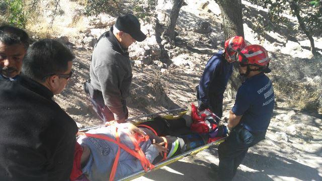 ¡Rescataron a una joven lesionada en el Cerro del Picacho en Aguascalientes!