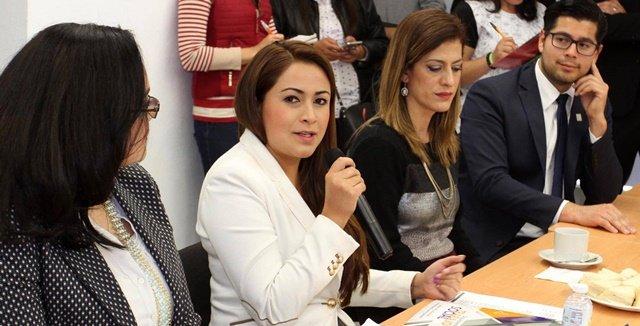¡Mantiene acercamiento alcaldesa Tere Jiménez con sector universitario!