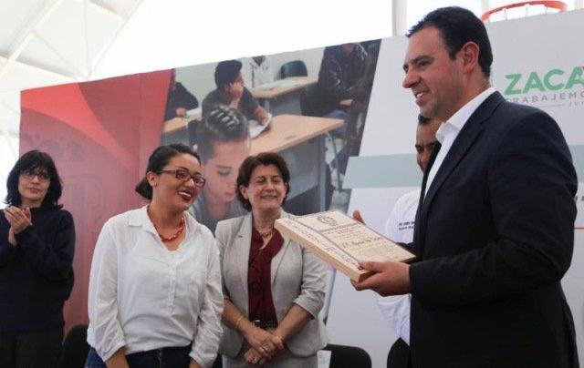 ¡Gobernador Alejandro Tello pide a jóvenes no involucrarse en la delincuencia!