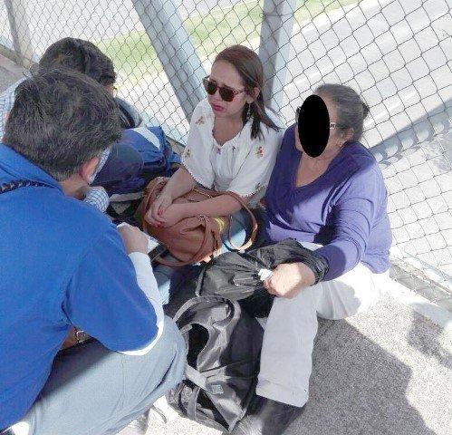 ¡Mujer quería suicidarse y amenazaba con lanzarse de un puente peatonal en Aguascalientes!