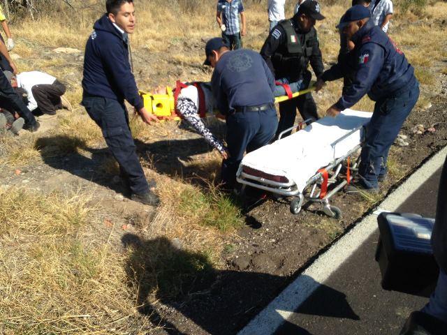 ¡Volcadura de camioneta dejó 4 lesionados en Aguascalientes!