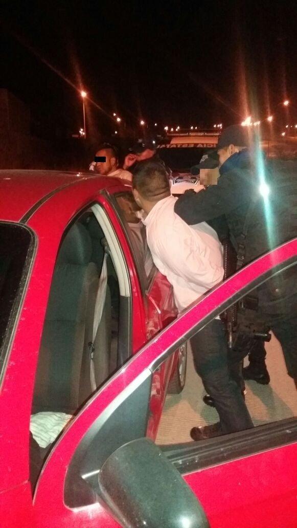 ¡Atraparon a 3 narcotraficantes con droga y un arma de fuego en Aguascalientes!