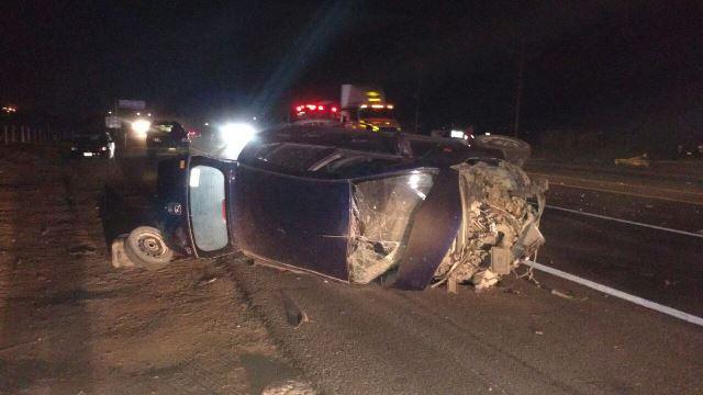 ¡1 muerto y 2 lesionados dejó choque-volcadura entre 2 autos en el entronque a Teocaltiche!
