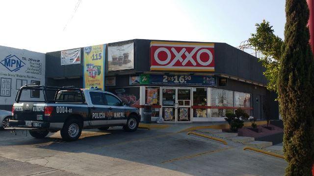 ¡Sujeto asaltó una tienda OXXO en Aguascalientes y se llevó mil pesos!
