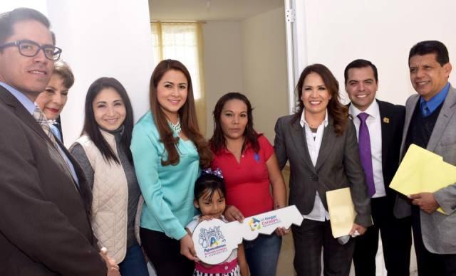 ¡Trabajará la alcaldesa Tere Jiménez en mejorar el hogar de más de 4 mil familias de escasos recursos!