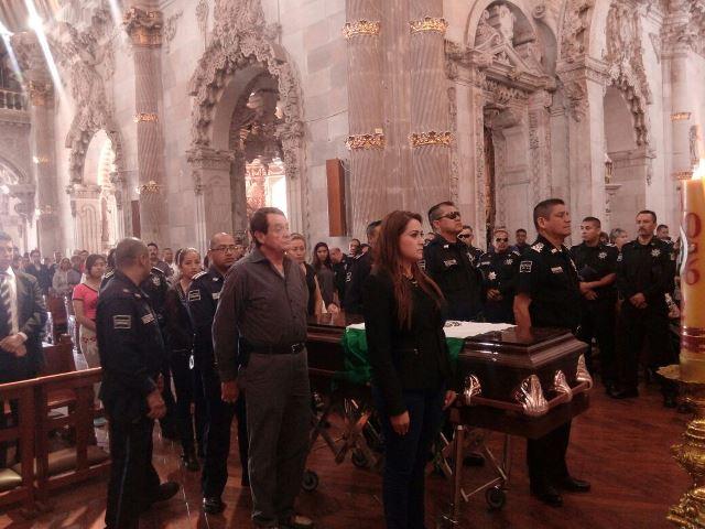 ¡Emotiva despedida al policía preventivo asesinado por un automovilista en Aguascalientes!