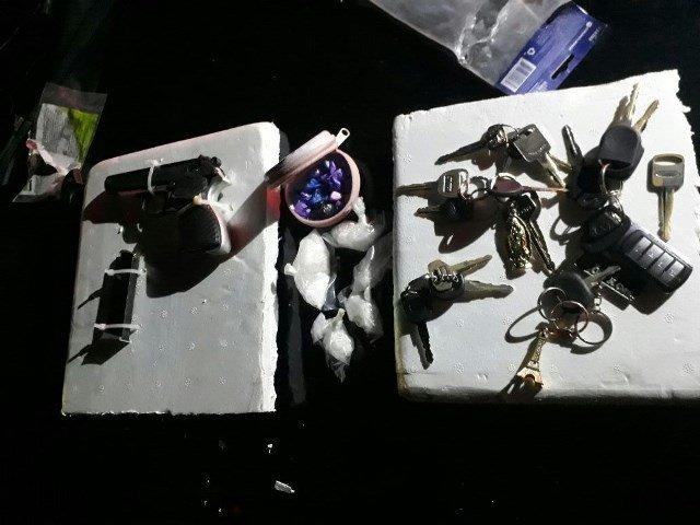 ¡Detuvieron a 3 zacatecanos en Aguascalientes con drogas, un arma de fuego y llaves para vehículos!