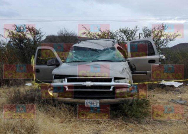 ¡1 muerta y 9 lesionados tras volcadura de una camioneta en Unión de San Antonio!