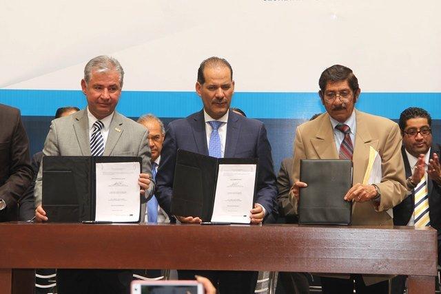 ¡Gobierno del Estado, cámaras empresariales y sindicatos firman pacto por la competitividad y estabilidad laboral!
