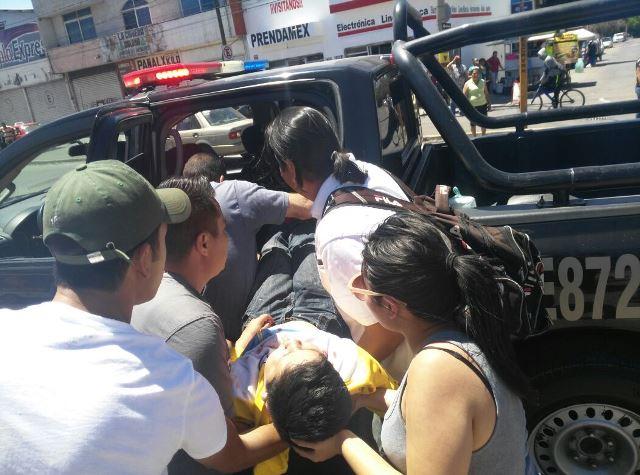 ¡2 niños graves tras fuerte accidente automovilístico en Aguascalientes!
