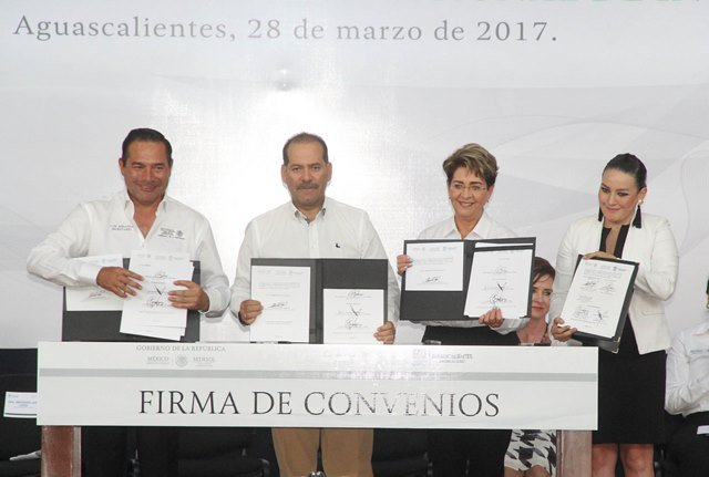 ¡Gobierno del Estado y SEDESOL suman esfuerzos y voluntades en la lucha contra el rezago social!