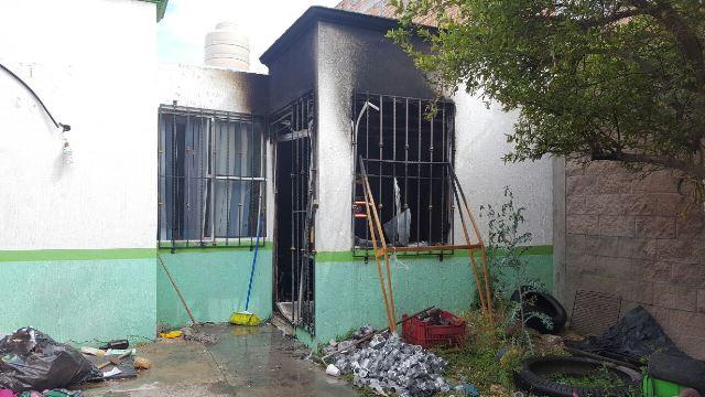 ¡Incendio arrasó con una casa en Aguascalientes!