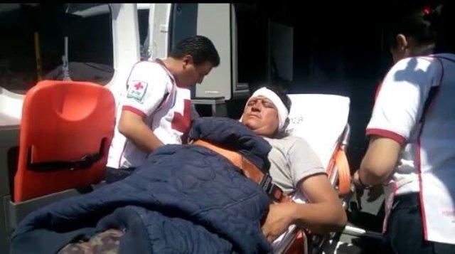 ¡Lesionado chofer tras la volcadura e incendio de un tráiler en la carretera Ojuelos-Aguascalientes!