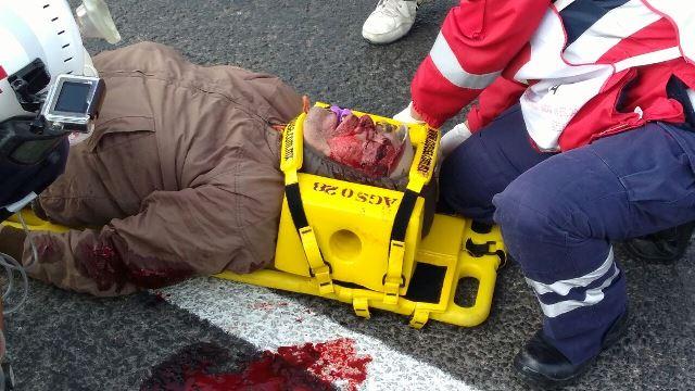 ¡Agoniza un hombre que en su bicicleta fue impactado y aplastado por un camión urbano en Aguascalientes!