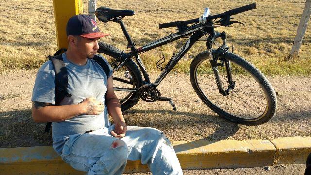 ¡Automovilista arrolló a un ciclista y luego fue agredido por huir en Aguascalientes!