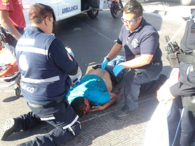 ¡Automovilista mató a un motociclista por pasarse un alto en Aguascalientes!